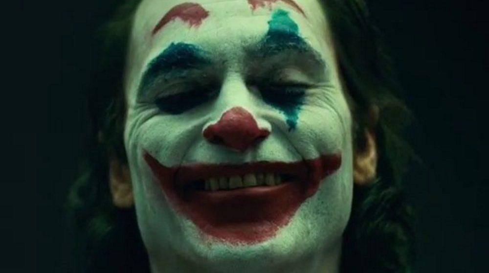 Joaquin Phoenix Joker makeup / Filmz.dk