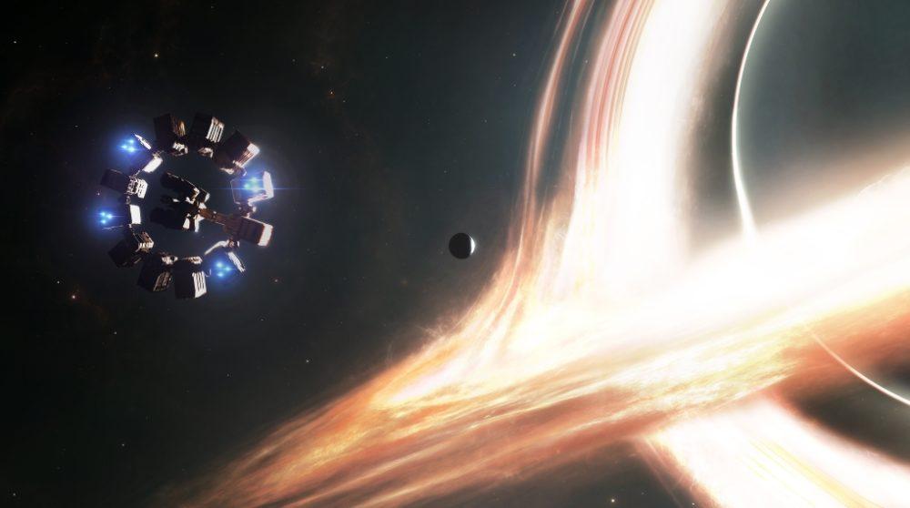 Sort hul interstellar / Filmz.dk