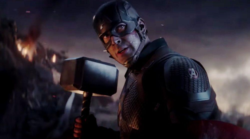 Captain America Thors hammer Avengers Endgame / Filmz.dk