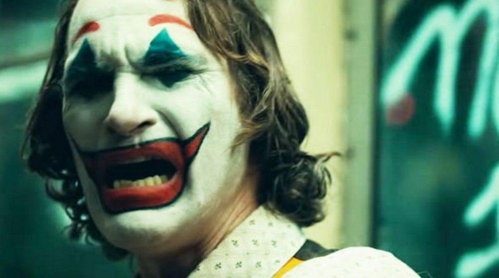Joaquin Phoenix Joker latter grin inspiration / Filmz.dk