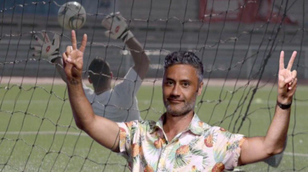 Next goal Wins Taika Waititi verdens værste fodboldhold / Filmz.dk