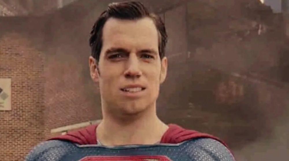 Henry Cavill reshoots Zack Snyder Justice League / Filmz.dk