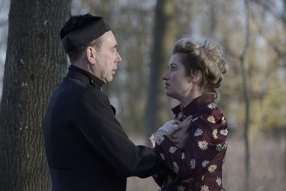sort lesbisk fransk kyssesort lesbisk dato